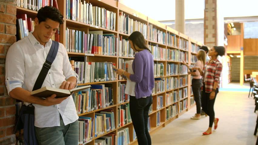 Korlátozások nélkül látogatható a könyvtár